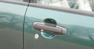 How Much Does It Cost To Fix Car Scratches?