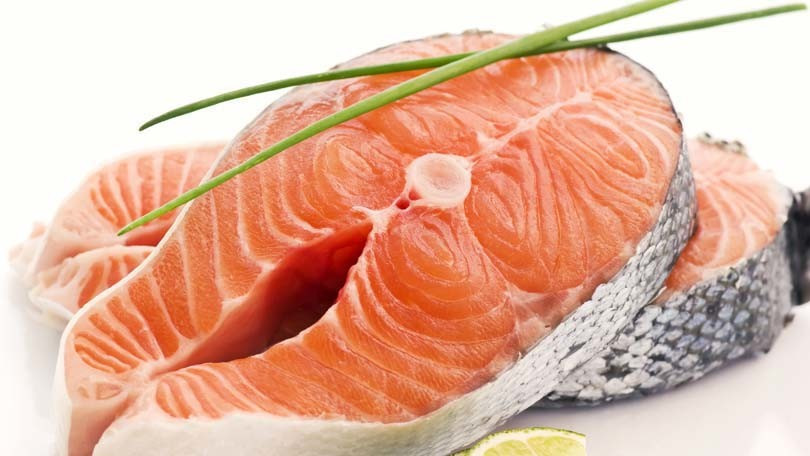 Foods to Eat To Lower Cholesterol – Try Salmon or Blueberries