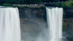 Niagara Falls – The Honeymooner''s Destination