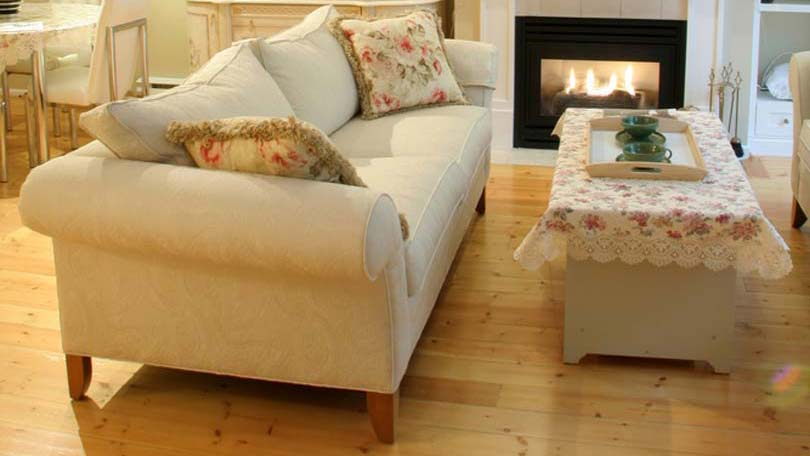 Decorating a small living room for Decorating living room on a tight budget